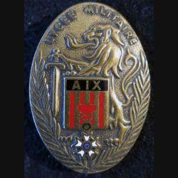 LM AIX : Insigne métallique du lycée militaire d'Aix en Provence de fabrication Drago Paris G. 3072