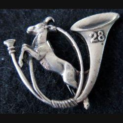 28° BCA : insigne du 28° bataillon de chasseurs alpins de fabrication Drago Romainville Déposé épingle à bascule