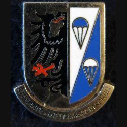 ALLEMAGNE : insigne métallique de la luftlande lufttransport schule Drago Paris