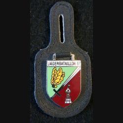 ALLEMAGNE : insigne métallique du Jägerbataillon 87 en émail sur cuir