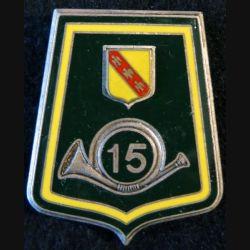 15° RCH : insigne métallique du 15° régiment de chasseurs de fabrication Fraisse G. 2723 en relief