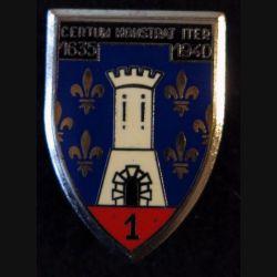 1° RC : insigne métallique du 1° régiment de cuirassiers de fabrication Delsart Sens point sur la partie rouge