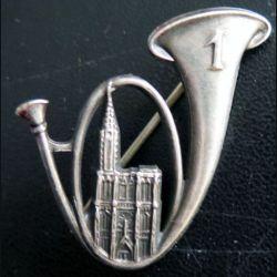 1° BCP : insigne métallique du 1° bataillon de chasseurs  à pied de fabrication Arthus Bertrand Paris