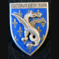 18° RD : insigne métallique du 18° régiment de dragons de fabrication Drago Paris G.1913 en émail