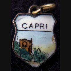 BLASON CAPRI : Ancien blason en émail de la ville de Capri 16 x 11 mm avec anneau et maillon