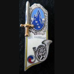 """PROMOTION EMHM : insigne métallique promotion  """"ADT VAUDELLE"""" de fabrication J. Balme G. 3776"""