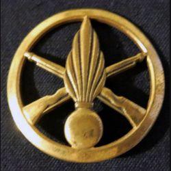 INSIGNE DE BÉRET : insigne de béret de l'infanterie de fabrication L. Bichet
