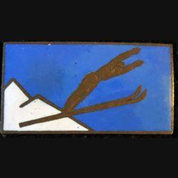 SKI : insigne de saut à ski de fabrication non marquée en émail sans attache