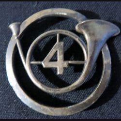 INSIGNE DE BÉRET : Insigne béret du 4° régiment de chasseurs fabrication Drago