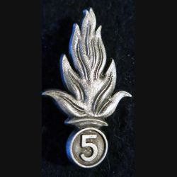 INSIGNE DE BÉRET 5° REI : insigne de béret du 5° régiment étranger d'infanterie Extrême-Orient fabrication Drago R77