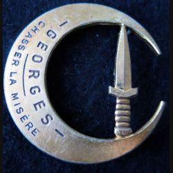 CDO : insigne métallique du commando Georges de fabrication Drago Paris N° 135