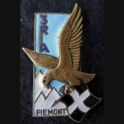 3° RIA : Insigne métallique du 3° régiment d'infanterie alpine de fabrication Drago Paris G. 1362 en émail de 1962