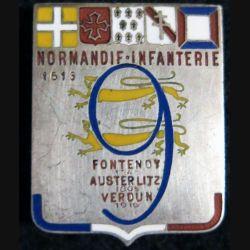 """9° RI : Insigne métallique du 9° régiment d'infanterie """"Normandie Infanterie"""" de fabrication Chobillon Paris en émail"""
