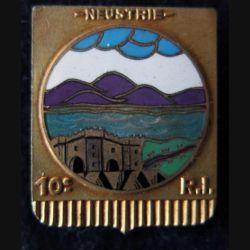 10° RIF : insigne métallique du 10° régiment d''infanterie de forteresse Neustrie Arthus Bertrand (poinçon) Picard Del en émail