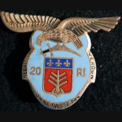 20° RI : 20° régiment d''infanterie de fabrication Arthus Bertrand modèle argenté