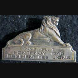 23° RI : insigne du 23° régiment d'infanterie régiment des lions, Fontenoy 1745  en métal fabrication (Isler) non marqué