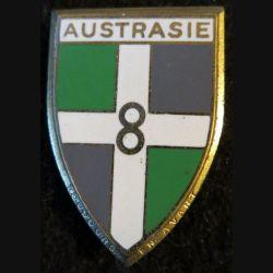 8° RI : insigne métallique du 8° régiment d'infanterie Austrasie de fabrication Drago Paris G. 1197