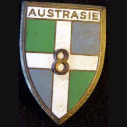 8° RI : insigne métallique du 8° régiment d'infanterie Austrasie de fabrication Drago Paris G. 1197 en émail
