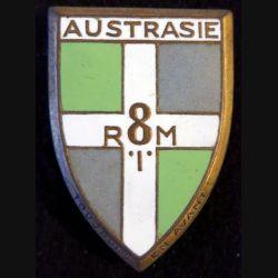 8° RIM : insigne métallique du 8° régiment d'infanterie motorisé Austrasie de fabrication Arthus Bertrand G. 1197