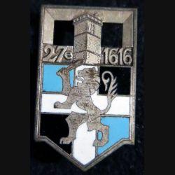 27° RI : insigne métallique du 27° régiment d'infanterie Arthus Bertrand Paris Déposé en émail