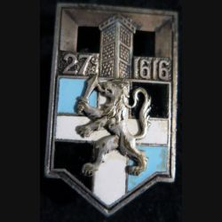 27° RI : insigne métallique du 27° régiment d'infanterie de fabrication non marquée en émail