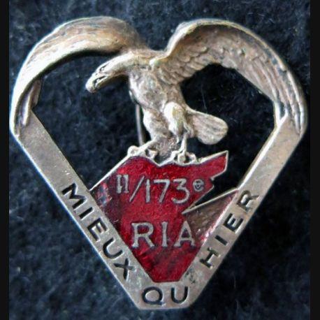 173° RIA : Insigne métallique du 2° bataillon du 173° régiment d'infanterie alpine de fabrication Chobillon Déposé email