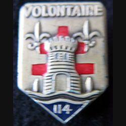 """114° RIA : Insigne métallique du 114° régiment  d'infanterie """"Volontaire"""" de fabrication Drago Paris croix rouge"""