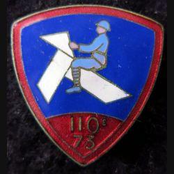110° - 73° RI : 110° - 73° régiment d'infanterie 32 mm de fabrication non spécifiée en émail