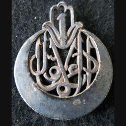 1° RTA : insigne métallique du 1° régiment de tirailleurs algériens de fabrication Drago Paris