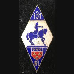 131° RI : 131° régiment d'infanterie fond argenté en émail