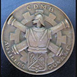 CDMB : plaque du CDMB Antilles Guyane en métal (bronze ?) de diamètre 74 mm dédicacée