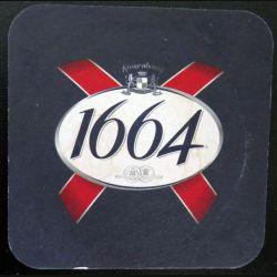 DESSOUS DE VERRE A BIÈRE : Dessous de verre à bière 1664 de 9,3 cm de côté
