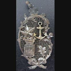 Très beau pendentif aux armes de la Rochelle de hauteur 6,7 cm à priori en argent