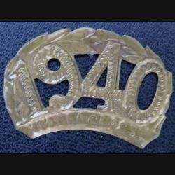 Insigne vive la classe 1940 en laiton de largeur 4,1 cm sans tige arrière