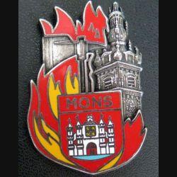 POMPIERS : insigne métallique des pompiers de Mons de fabrication Ballard