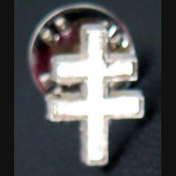 PIN'S : croix de Lorraine en métal argenté 1,5 cm de hauteur