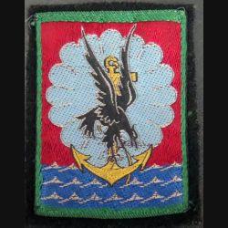 11° DP : insigne tissu de la 11° division parachutiste avec crochets arrière