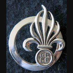 GRLE : insigne de béret du groupement recrutement de la Légion étrangère de fabrication Boussemart G. 4987 argenté