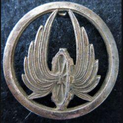 Insigne de béret du train de fabrication Coinderoux Paris noirci