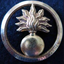EMIA : insigne de béret de l'école militaire interarmes de fabrication Beraudy-Vaure