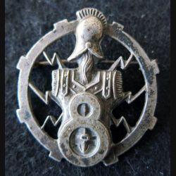 8° RST : insigne métallique du 8° régiment de sapeurs télégraphistes de fabrication Roussiloy ajouré