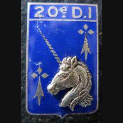 20° DI : Insigne métallique de la 20° division d'infanterie de fabrication Drago Paris G. 1311 en émail