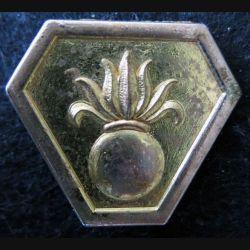 CEF ITALIE : insigne métallique de la 13° DBLE du corps expéditionnaire français en Italie Drago retirage 76
