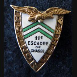 11° EC : insigne 11° Escadre de chasse de fabrication Drago Paris A. 526 en émail