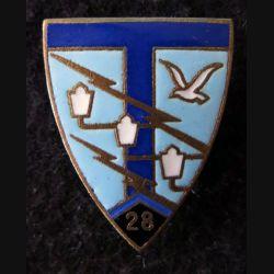 28° RT : insigne du 28° régiment de transmissions de fabrication Drago H. 208 en émail