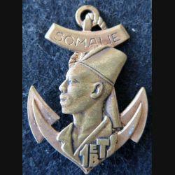 1° BTS : insigne métallique du 1° bataillon de tirailleurs sénégalais de Somalie Drago Romainville G. 1080