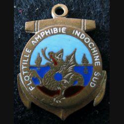 FAIS : insigne de la Flottille amphibie Indochine Sud de fabrication Augis en émail pas d'attache