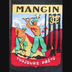 CJF 27 : insigne tissu des chantiers de jeunesse N° 27 Mangin toujours prêts fond noir tissé