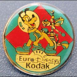 PIN'S : Eurodysney Kodak de diamètre 2,5 cm 1992