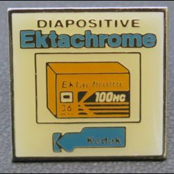 PIN'S : diapositive Ektachrome de hauteur 2,5 cm